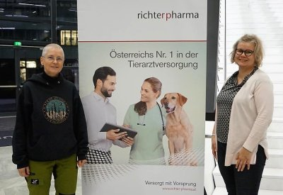 Mag. Sabine Schroll und Mag. Mira Korpivaara; Bildquelle: Richter Pharma
