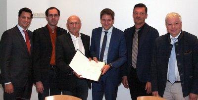 Mag. Robert Pichler (Leiter der Abt. Forschung und Entwicklung, BMLFUW), Dr. Markus Herndl (HBLFA Raumberg-Gumpenstein), Dr. Anton Hausleitner (Direktor HBLFA Raumberg-Gumpenstein), Dr. Michael Gysi (Direktor Agroscope), Dr. Johann Gasteiner (Leiter f. Fo; Bildquelle: HBLFA Raumberg-Gumpenstein