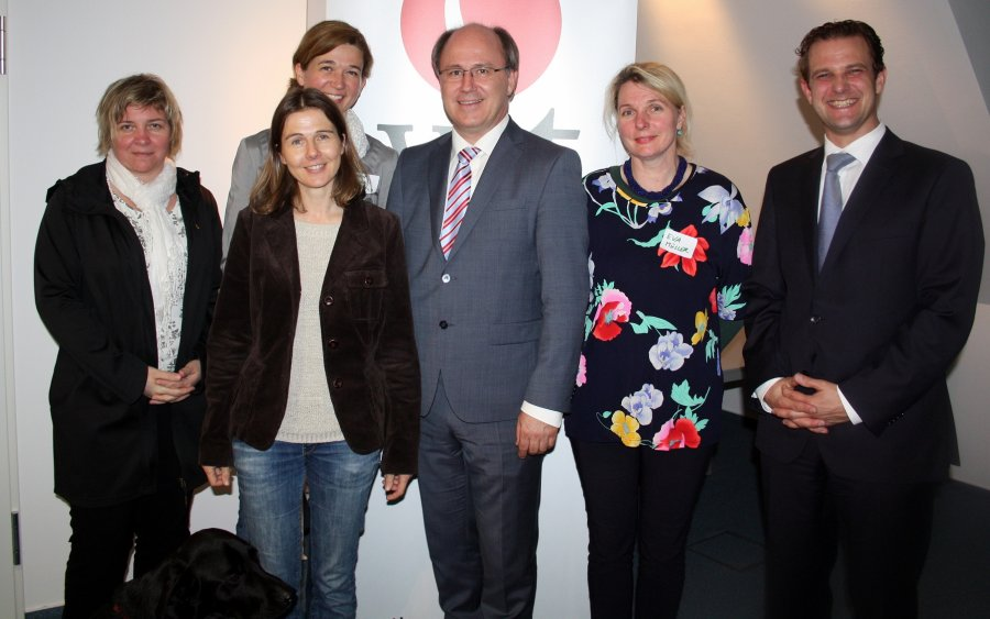 Mag. Sigrid Resch, Mag. Verena Tragauer, Dr, Karen Barker-Benfield, Mag. Kurt Frühwirth, Dr. Eva Müller und Mag. Christian Reinert