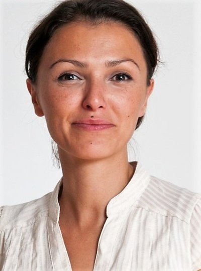 Dr. Alexandra Rosé